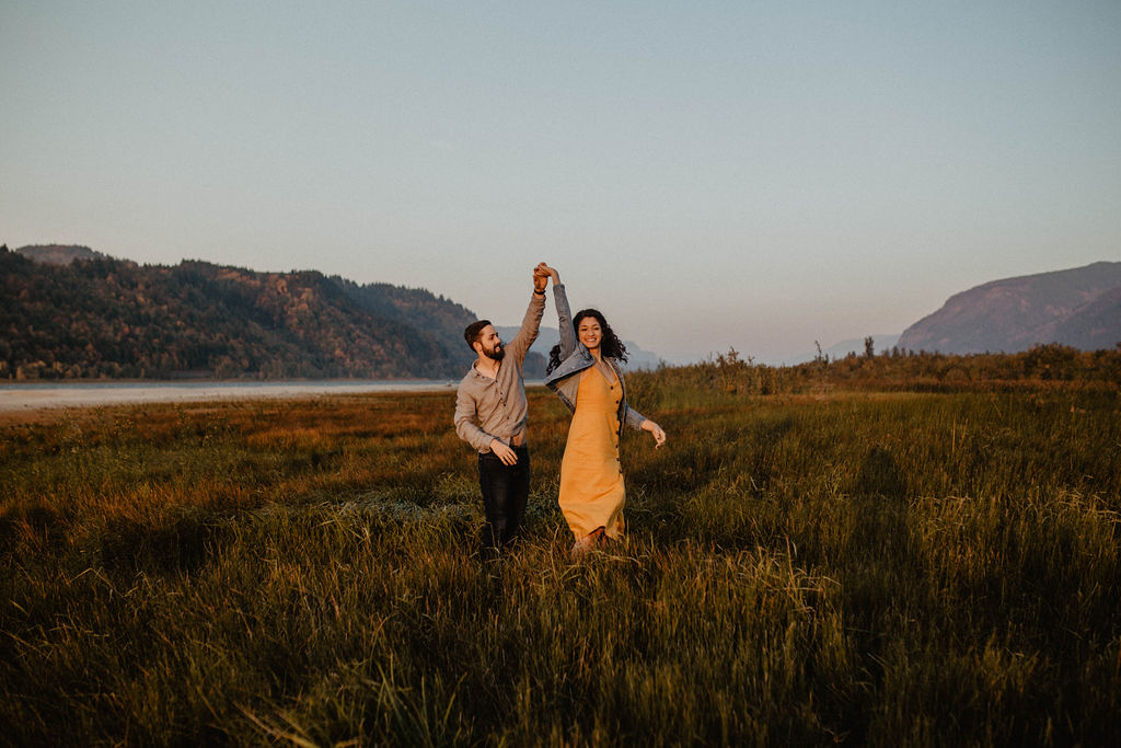Columbia River Gorge engagement session at sunset