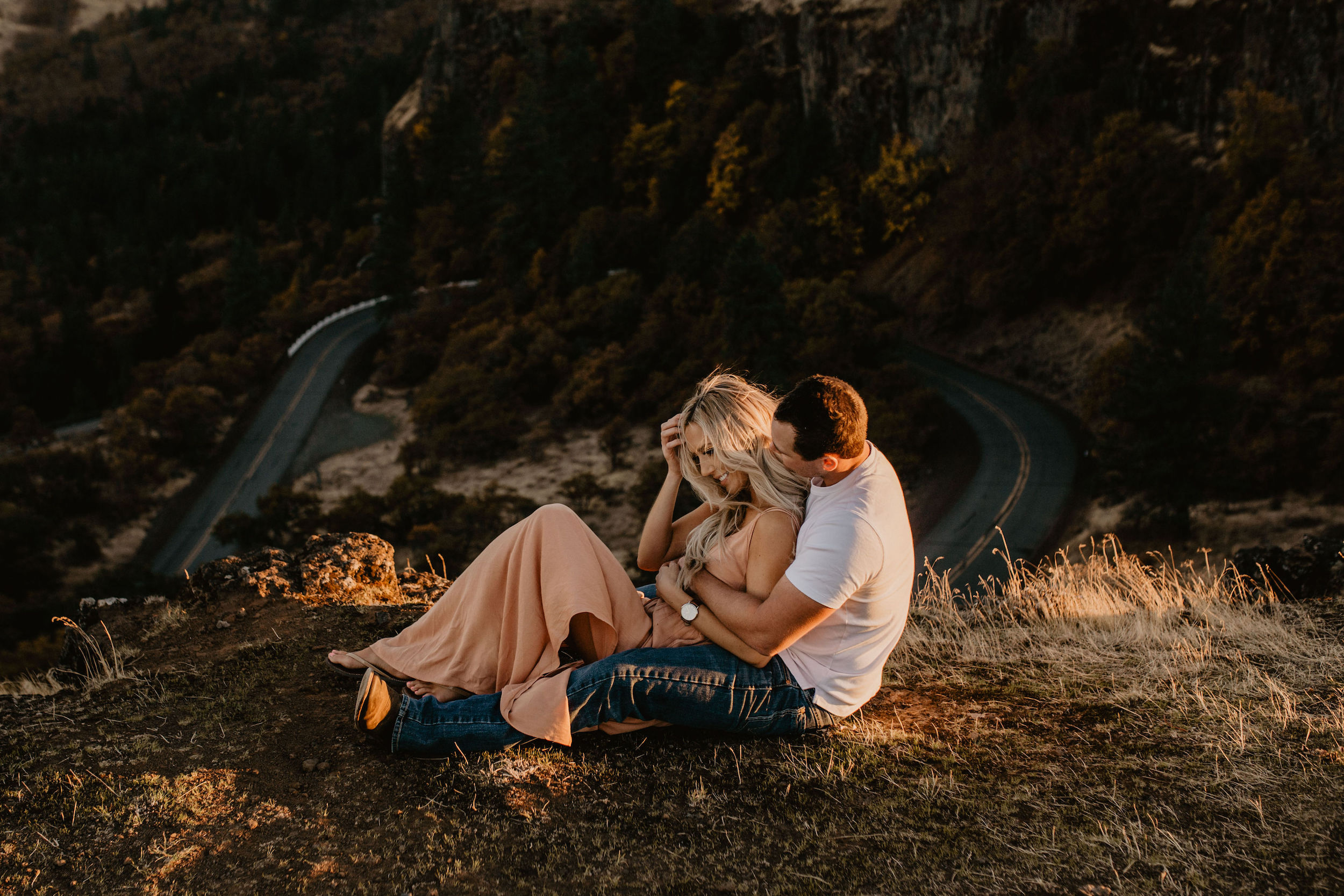 Rowena Crest Columbia River Gorge engagement session